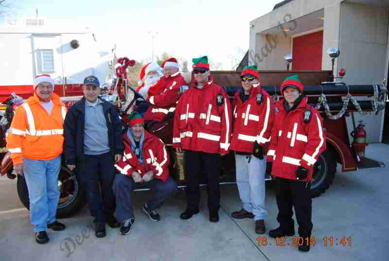 SANTA CLAUS VISITED THE OLD ORCHARD SECTION TODAY – THE TRADITION CONTINUES
