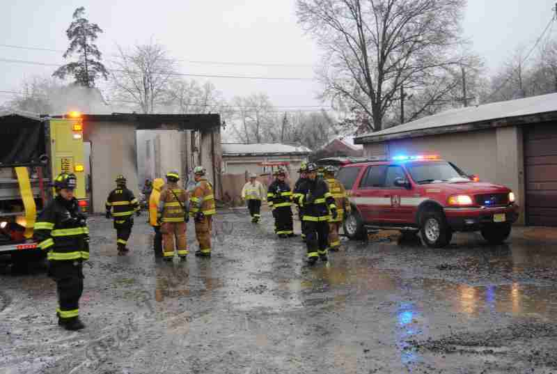 BORDENTOWN CITY 2ND ALARM ON SATRUDAY MORNING IN COLD AND WET WEATHER – REHAB 13 DISPATCHED TO THE SCENE FOR PERSONNEL SUPPORT