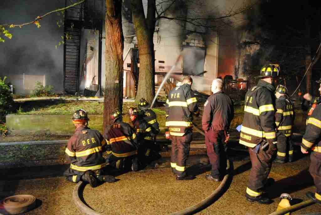 PENNSAUKEN FIRE DEPARTMENT ALL HANDS MULTI FAMILY DWELLING FIRE EARLY THIS MORNING – REHAB 13 FOR PERSONNEL SUPPORT