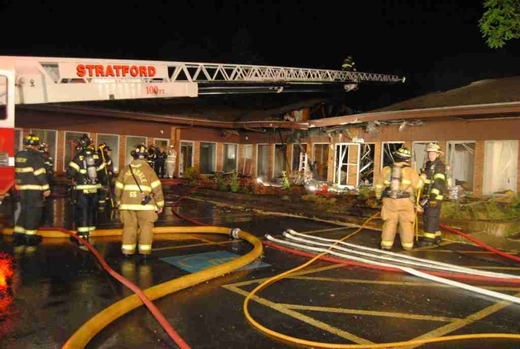 EARLY MORNING BUILDING FIRE IN STRATFORD – GOES ALL HANDS – REHAB 13 SPECIAL CALLED TO THE SCENE FOR PERSONNEL SUPPORT