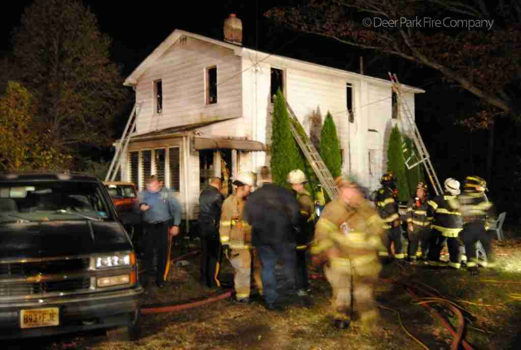 SOMERDALE FIRE RESPONDS TO A DWELLING LAST NIGHT – ALL HANDS DECLARED BY COMMAND – REHAB 13 TO THE SCENE FOR PERSONNEL SUPPPORT