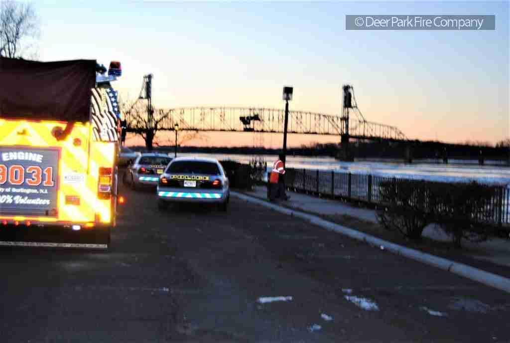 CAR INTO DELAWARE RIVER IN BURLINGTON CITY – FATAL CRASH – SPECIAL CALLED TO SUPPORT BURLINGTON POLICE DURING THE CRASH INVESTIGATION